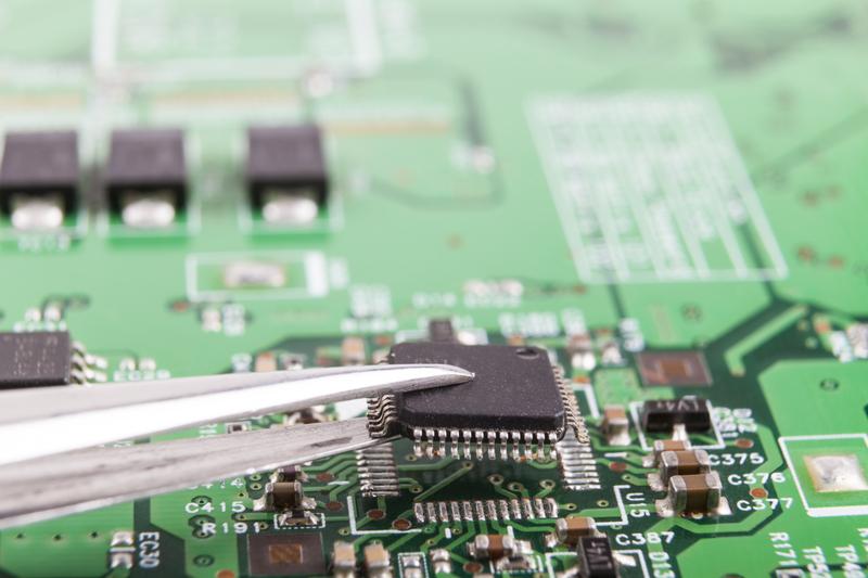 Service și reparații laptopuri